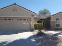Gorgeous in Sun City Anthem! Spacious living area &