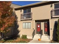 Great towhouse condo unit in close proximity to