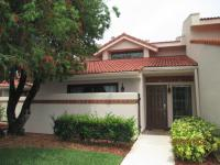 Fabulous Townhouse In The Villas Of Sandpiper Bay. Has