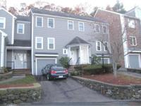 OAK KNOLL townhouse completely updated kitchen and