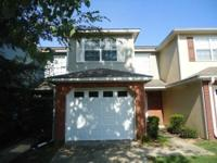 Very nice townhome located in Dunwoody Subdivision,