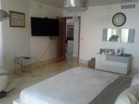 Beautiful 2 bedroom in Beach Club. Great to live or for