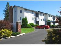 Air conditioning, Laundry facility, Fireplaces, Walk-in