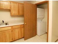 Spacious Floorplans, Washer/Dryer Included, Oak