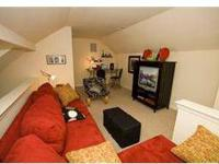 9' Ceilings, Separate dining/living rooms, Washer Dryer