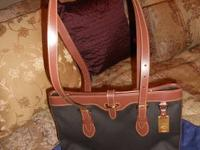 Selling 2 authentic Dooney & Bourke bags, one still has