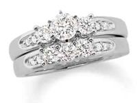 This stunning bridal set includes the engagement ring