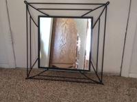 I have 2 black decorative mirrors, just one visualized