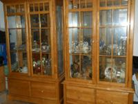 2 Glass Cabinets with 2 Shelves and 2 drawers on