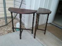 2 wooden side tables 15$ each