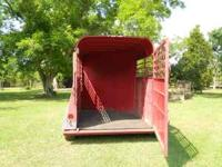 '04 Calico, 2 horse slant load, nice pulling trailer.