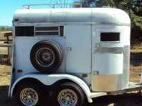 Two horse trailer, double axle with removable center