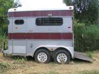 1987 Circle J 2 Horse Trailer. Feed bags, floor mats, 2
