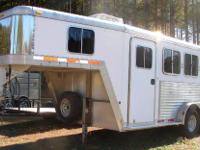 "Very nice & clean 2 horse Featherlite, ""all aluminum"" 7"