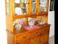 2 Pc China Cabinet and Hutch – Gorgeous Oak
