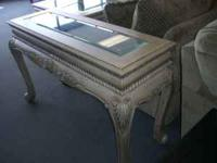 Sofa table and Coffee table. Very elegant! King