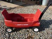 2-seater Radio Flyer Wagon $20 PH  Location: Madera