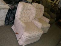 2 small recliners for sale in great conditions.asking