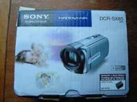 "Sony Handycam DCR-SX85 16GB 3"" display 70x extended"