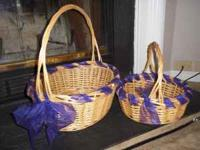 Perfect condition!!! Light colored wick er baskets.
