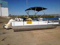 INCREDIBLE DEAL! 20' Voyager Pontoon Boat (1992) with