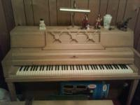 I have a lovely Wurlitzer upright piano in a nice