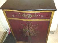 Beautiful black marble topped accent table. 1 drawer