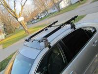 Yakima Roof Rack with Q Towers and 2 Rocky mounts. Have