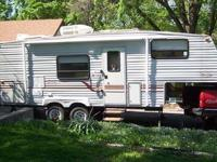 Description: 2000 Model QWest Jayco 25'Fifth