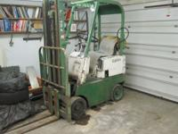 Rubber tire forklift LP fuel If interested call  //