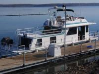 Type of Boat: House Boat Year: 2000 Make: Gibson Model: