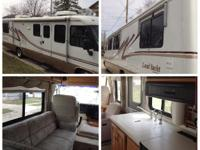 2000 Airstream Land Yacht- - 380000 miles Sleeps 6 New