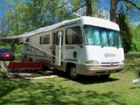 We are selling a gently used 2000 Allegro 33' motorhome