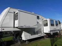 2000 Alpenlite Augusta This 5th wheel is fully self