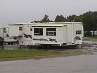 2000 Alpha Gold 5th Wheel 34RKS.  Very good condition,