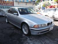 2000 BMW 528I, 5-SPEED, LEATHER INTERIOR WITH SUNROOF,
