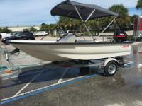 Mint Condition 2000 Boston Whaler Sport.This boat has