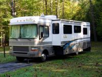 2000 Bounder Motor Home Model 31W manufactured by