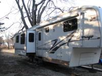 This 37' fifth wheel is in very good condition. This is