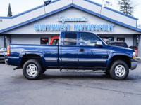 2 Owner 4x4 Truck with Trailer Brakes!  Options: