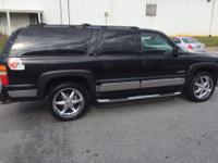 Black 2000 suburban 4x4 great tires 22 inch wheels in