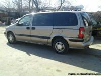 2000 Chevy Venture$1800 gold, folding seats with cup
