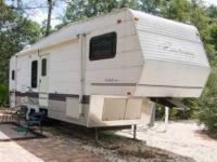 2000 Coachmen Catalina 29RKS Travel Trailer This 2000
