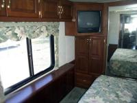 2000 Newmar Dutch Star 3859. This exceptionally clean
