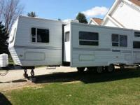 2000 Dutchmen Classic Series M-31 Bunkhouse. This is a