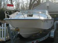 2000 EdgeWater 185 DC. 2000 EdgeWater 185 DC boat and