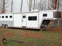 2000 Featherlite Gooseneck horse trailer. All aluminum.