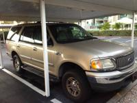 WE ARE SELLING MY NEIGHBORS 2000 FORD EXPEDITION XLT