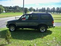 2000 Ford explorer xlt 4x4 has good inspection