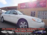 ***LUXURY AT WHOLESALE PRICE** This 2000 Ford Taurus is